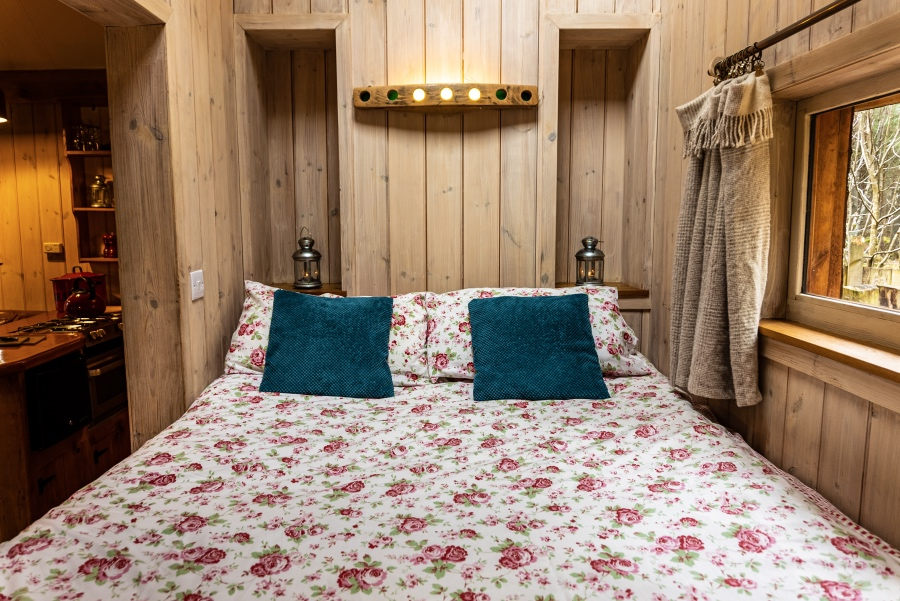 The Duck's Nest eco lodge, Hebridean box bed, Nethy Bridge, Near Aviemore, Cairngorms National Park, Scotland
