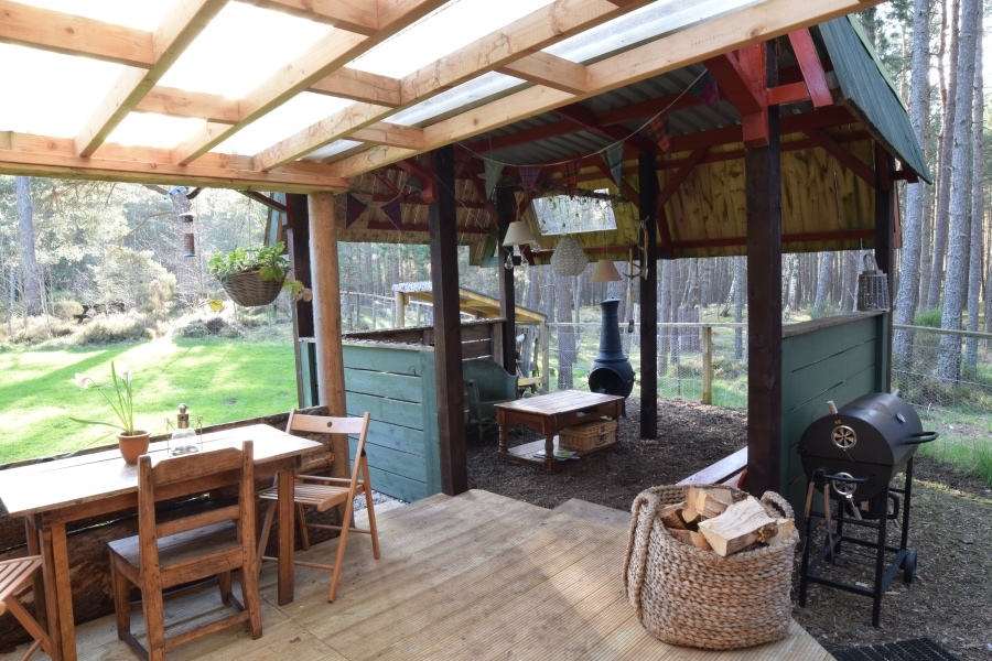 The Lookout eco hostel, Sit ooterie, Nethybridge, near Aviemore, Cairngorms National Park, Scotland